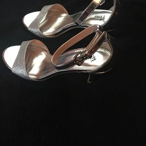 FIONI Clothing Shoes - Silver Dress Shoes